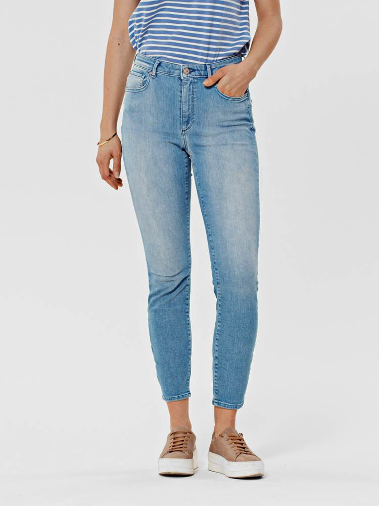 Sophia Cropped Jeans 7246404_DAD-VA VITE-S21-MODELL-FRONT_Sofphia Cropped Jeans DAD_Sophia Cropped Jeans DAD.jpg_Front||Front