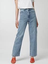 Kinsley Jeans 7247160_D06-MCDONNA-H21-Modell-Front_chn=vic_78460.jpg_Front||Front