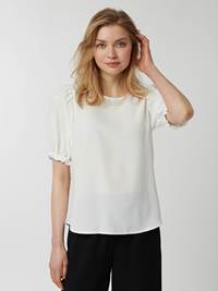 Ivy Bluse 7243384_O79-MCDONNA-H21-Modell-Front_chn=vic_68763_Ivy Bluse O79.jpg_Front||Front