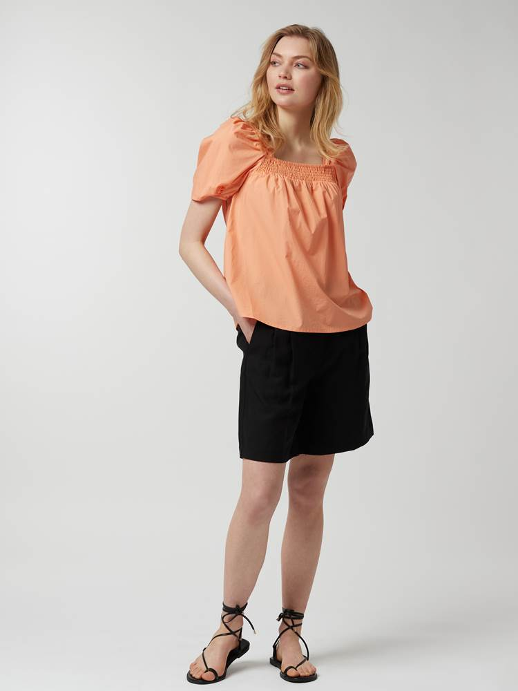 Othilia Bluse 7247171_293-MCDONNA-H21-Modell-Front_chn=vic_89004_Othilia Bluse 293.jpg_Front||Front
