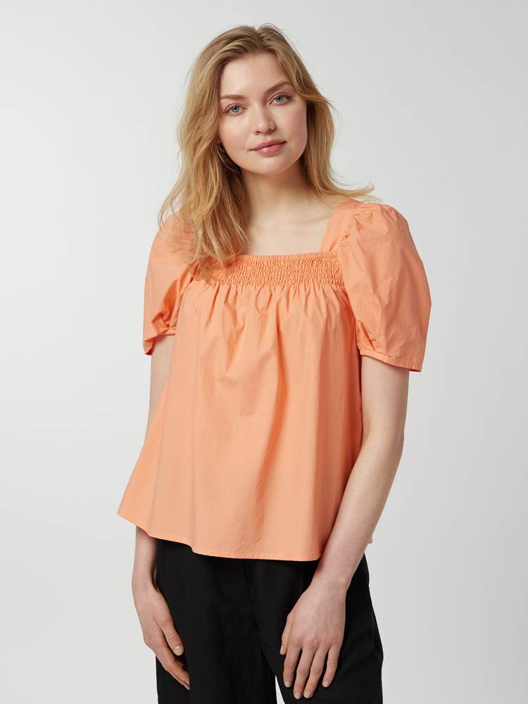 Othilia Bluse 7247171_293-MCDONNA-H21-Modell-Front_chn=vic_3383_Othilia Bluse 293.jpg_Front||Front