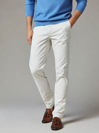 Brian Stretch Chino 7241737_105-JEANPAUL-S20-Modell-front_77250_Brian Stretch Chino 105.jpg_Front||Front