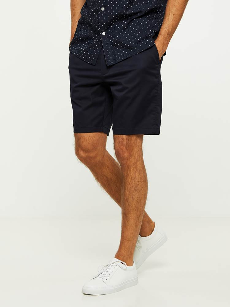 EVENING SHORTS 7243092_C27-HENRYCHOICE-H20-Modell-left_24404_EVENING SHORTS C27.jpg_Left||Left
