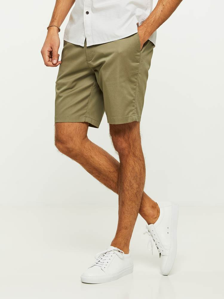 EVENING SHORTS 7243092_I4Q-HENRYCHOICE-H20-Modell-left_93230_EVENING SHORTS I4Q.jpg_Left||Left