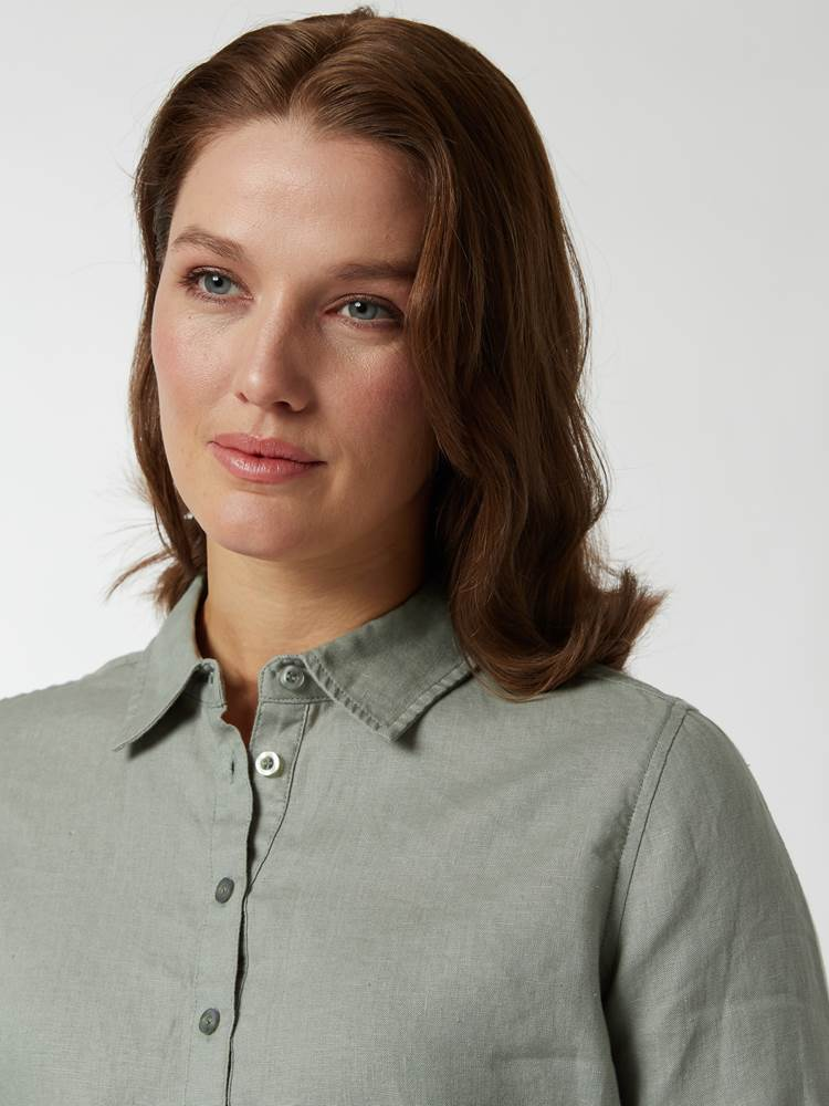 Lily linskjorte 7246803_GIX-BLU-H21-Modell-right_8558_Lily linskjorte GIX.jpg_Right||Right