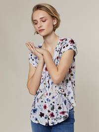 Fleurine Bluse 7242948_O79-JEANPAULFEMME-H20-Modell-front_66307_Fleurine Bluse O79.jpg_Front||Front
