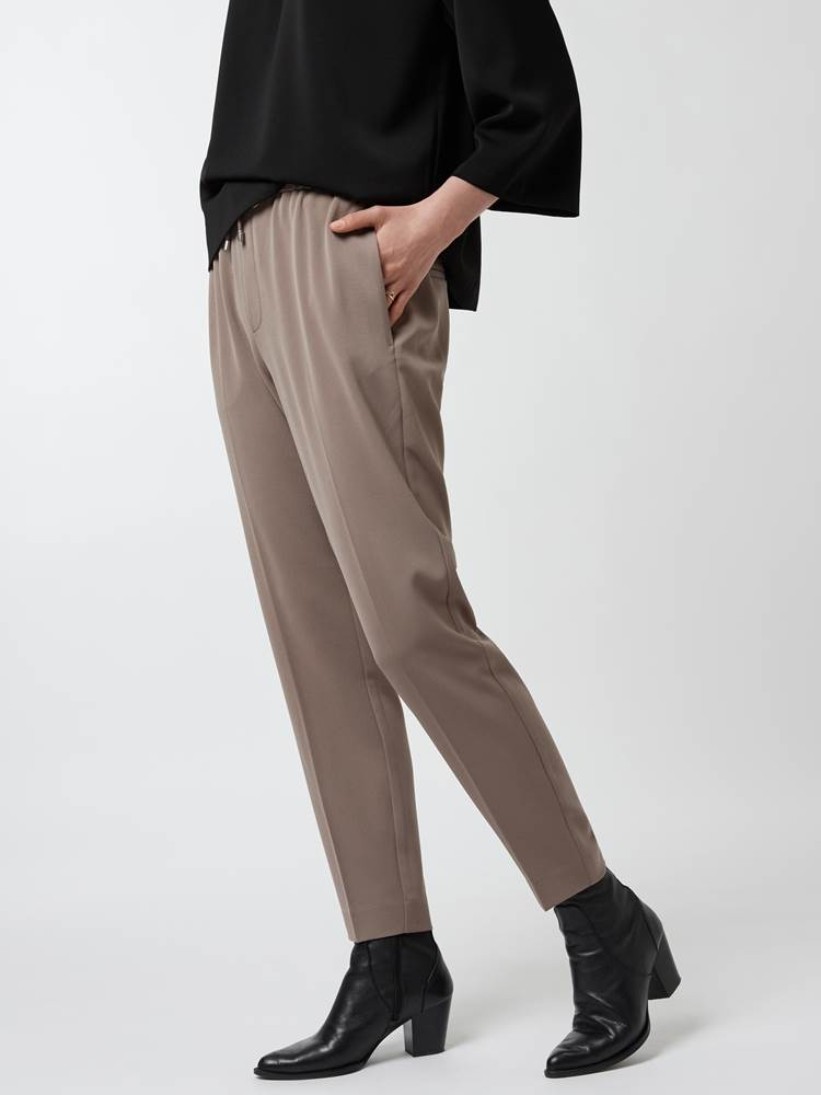 Cadia pull-on pant 7248466_A9C-IN WEAR-A21-Modell-Front_chn=vic_9104.jpg_Front||Front