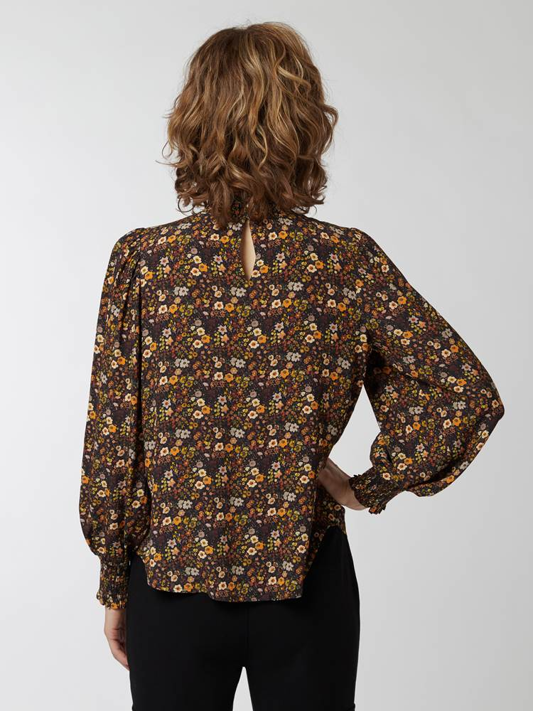 Bea bluse 7248109_CAB-BLU-A21-Modell-front_32370.jpg_Front  Front