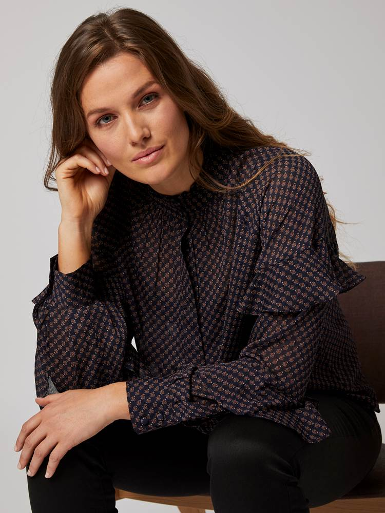 Thelma Bluse 7244798_EHI-BLU-A20-Modell-front_27783_Thelma Bluse EHI.jpg_Front||Front