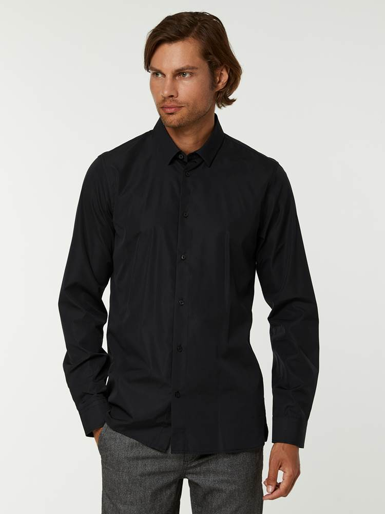 OSLO SKJORTE - TAILOR FIT 7244565_C18-HENRYCHOICE-A20-Modell-front_79798_OSLO SKJORTE - TAILOR FIT C18.jpg_Front||Front