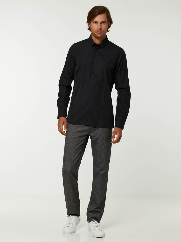 OSLO SKJORTE - TAILOR FIT 7244565_C18-HENRYCHOICE-A20-Modell-front_51752_OSLO SKJORTE - TAILOR FIT C18.jpg_Front||Front