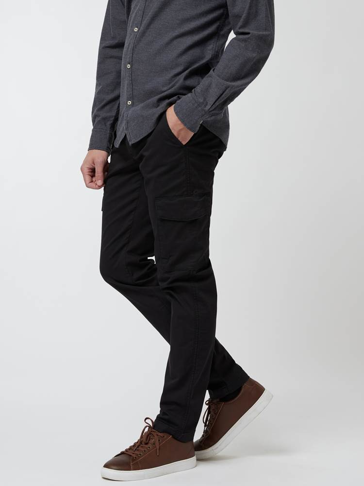 Cargo Pant 7248113_C18-MARIOCONTI-A21-Modell-Front_chn=vic_19025_Cargo Pant C18.jpg_Front||Front