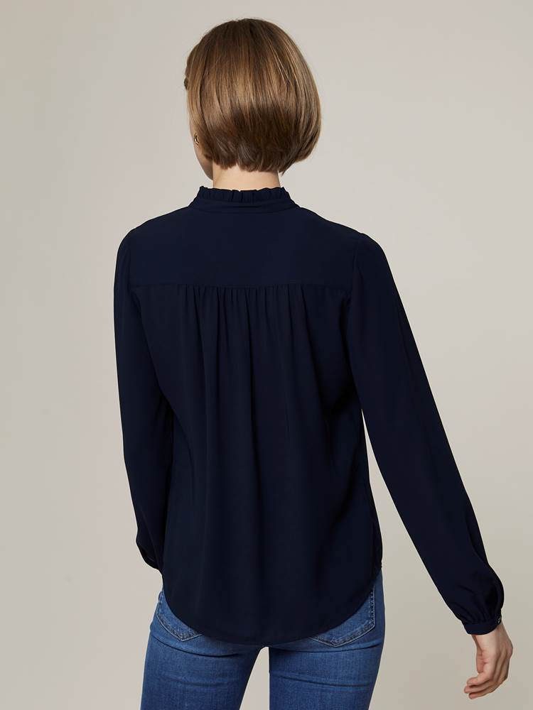 Rivage Bluse 7243972_EM6-JEANPAULFEMME-A20-Modell-back_38801_Rivage Bluse EM6.jpg_Back||Back