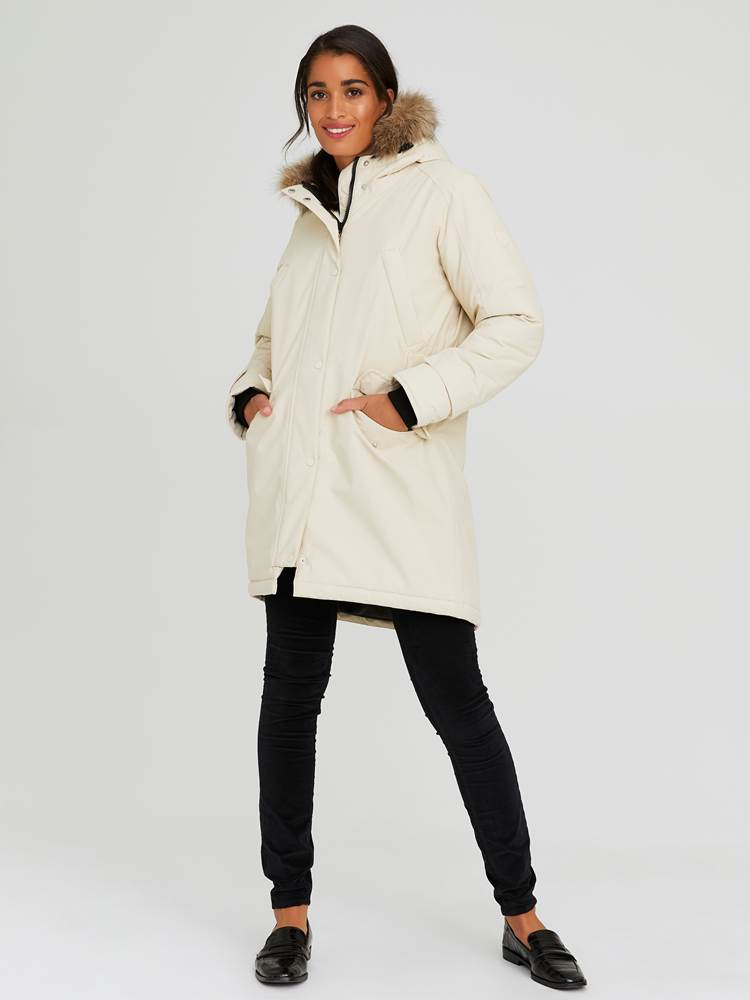 Carry Parkas 7244016_I3E-JEANPAULFEMME-A20-Modell-front_71728_Carry Parkas I3E.jpg_Front||Front