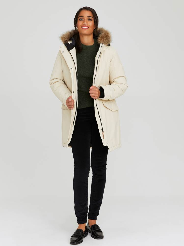 Carry Parkas 7244016_I3E-JEANPAULFEMME-A20-Modell-front_52749_Carry Parkas I3E.jpg_Front  Front