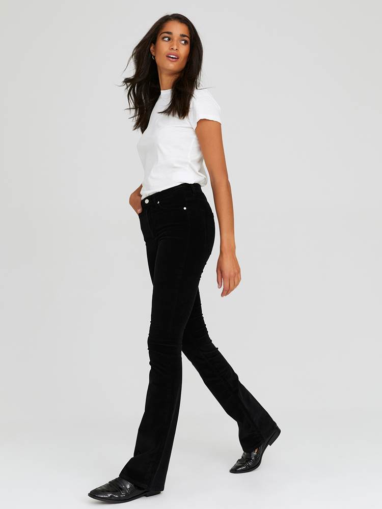 Sabine Cord Flare Bukse 7244330_CAB-JEANPAULFEMME-A20-Modell-front_80376_Sabine Cord Flare Bukse CAB.jpg_Front||Front