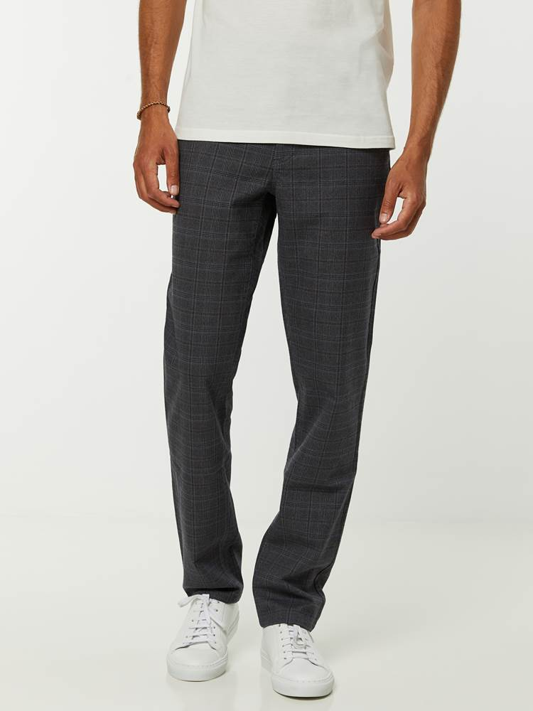 Slim Check Chino 7244878_ID9-HENRYCHOICE-A20-Modell-front_96789_Slim Check Chino ID9_SLIM CHECK CHINO ID9.jpg_Front||Front