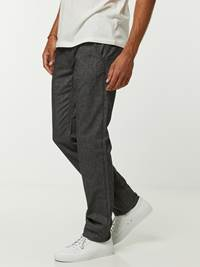 Slim Donegal Chino 7244877_ID9-HENRYCHOICE-A20-Modell-left_44231_Slim Donegal Chino ID9_SLIM DONEGAL CHINOE ID9.jpg_Left||Left