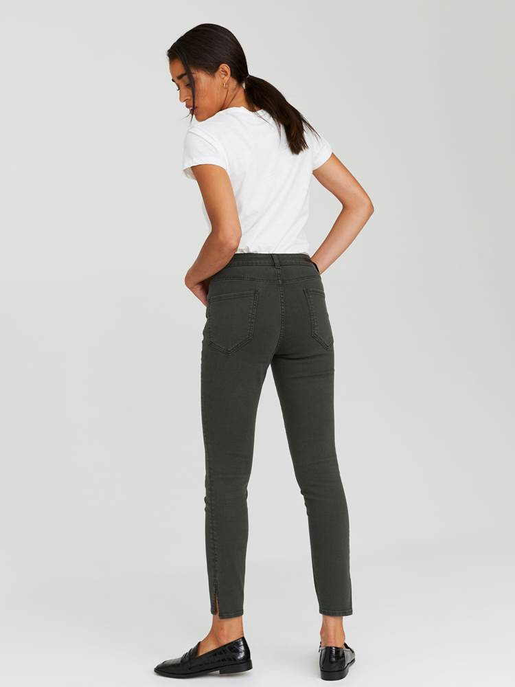 Sabine Cropped Color Jeans 7244251_GOY-JEANPAULFEMME-A20-Modell-back_87244_Sabine Cropped Color Jeans GOY_Sabine Cropped Color Jeans GOY 7244251 7244251 7244251 7244251.jpg_Back||Back