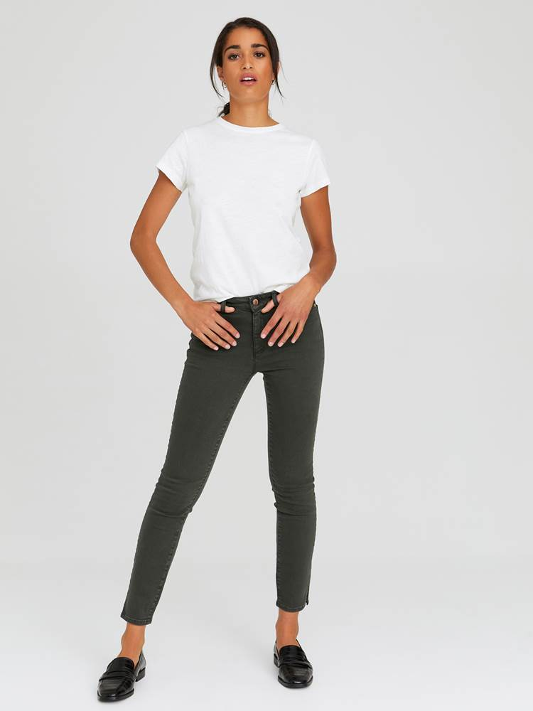 Sabine Cropped Color Jeans 7244251_GOY-JEANPAULFEMME-A20-Modell-front_37337_Sabine Cropped Color Jeans GOY_Sabine Cropped Color Jeans GOY 7244251 7244251 7244251 7244251.jpg_Front||Front